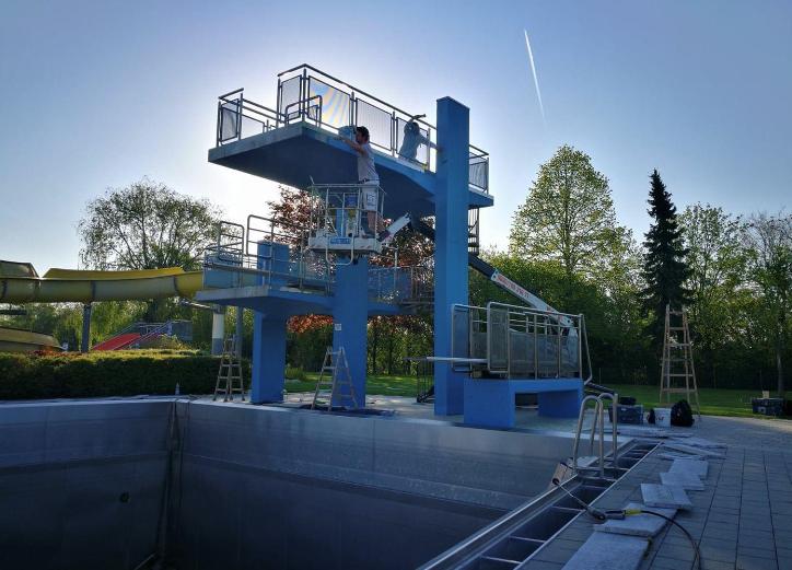 Umgestaltung-des-Springturms-im-Schwimmbad-Siegendorf